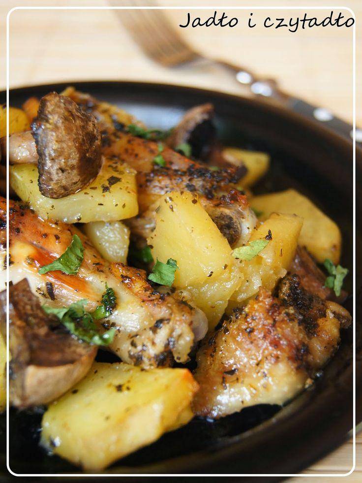 Jadło i czytadło: Kurczak pieczony z ziemniakami