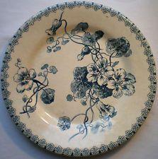 Assiette Art Nouveau Terre de Fer GIEN, modèle en bleu, Les CAPUCINES