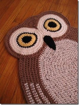 idea: any flat form for crochet, appliques, ... can become a pattern for a rug