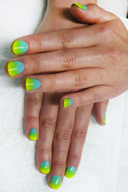 blue / yellow / green gradient maniNeon Ombre, Summer Nails, Gradient Nails, Gel Polish, Neon Nails, Ombre Nails, Nails Art Design, Marbles Nails, Blue Nails