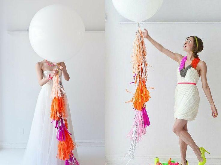 Exclusivos Globos Gigantes con flecos para bodas y eventos. Estos Globos tienen la opción de exponer sin gas Helio.