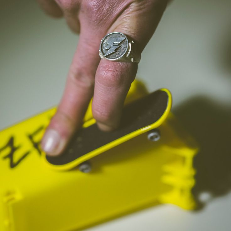 New Ring Hand made by Anna Cino  Photo By: www.alfredobuonanno.it Starring Mucho Mushkle finger skate!