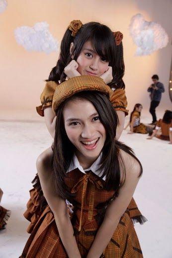 JKT48 Yuuhu Wu Miteiruka Apakah Kau Melihat mata hari senja