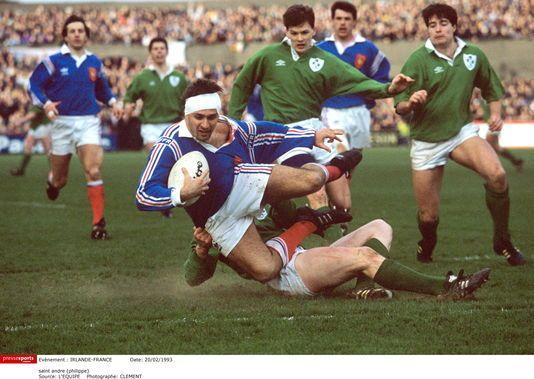 Philippe Saint-André face à l'Irlande en février 1993.