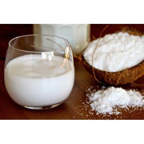 KOKOSOVÉ MLIEKO V PRÁŠKU. 100% kokosové mlieko v prášku dobre nahrádza čerstvé kokosové mlieko. Je vhodnou alternatívou živočíšneho mlieka. Neobsahuje laktózu ani kazeín. Použitie: zákusky, krémy, dezerty, na prípravu zmrzliny, tiež je vhodný na ochutenie studených aj horúcich nápojov. Príprava: zmiešajte s teplou vodou a podľa toho aké husté mlieko požadujete, pridajte vodu alebo prášok