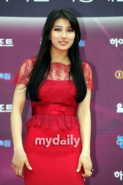 Suzy - dress (if it were knee-length)