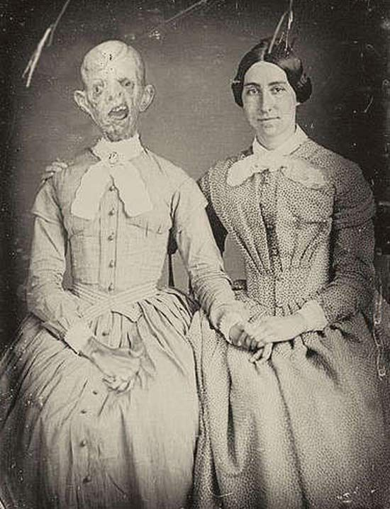 25 Of The Creepiest Photos Ever Taken. These Will Chill You To The Bone. - grabberwocky