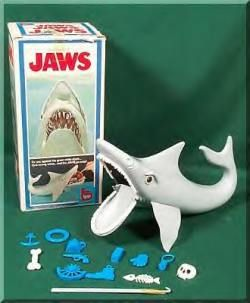 I had a Jaws game as a kid in 1976, not long after it was introduced in stores. Fun to play, if nerve-wracking!