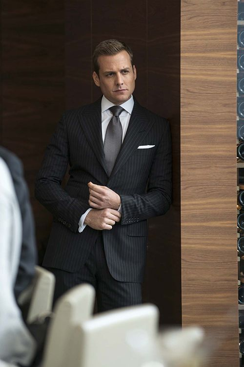 Gabriel Macht as Harvey Specter wearing a fab suit in Suits!