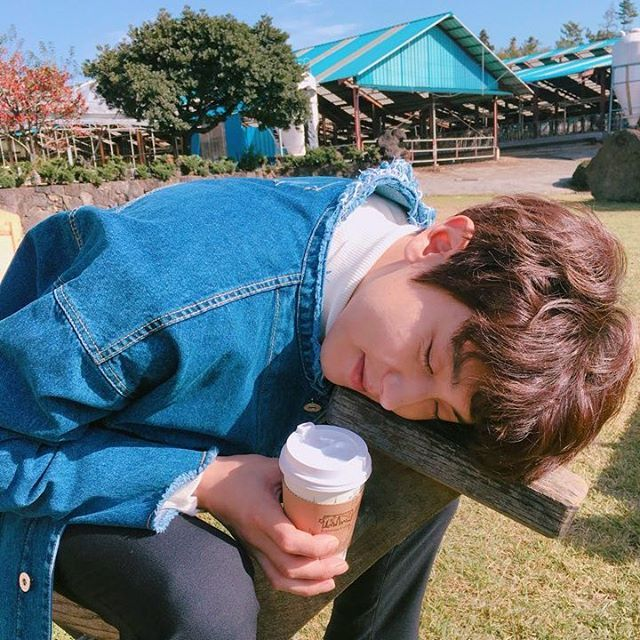 Chanyeol IG Update ❤ 나는 잘 있어요 (Cute Sleepy Chanyeol) #EXO