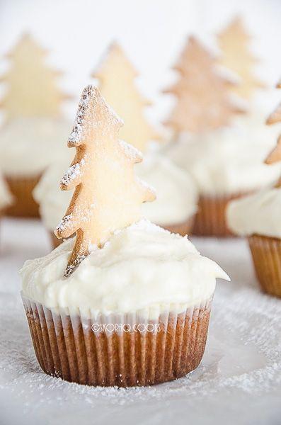 """Christmas Vanilla Cupcakes (recipe in Polish and English) """