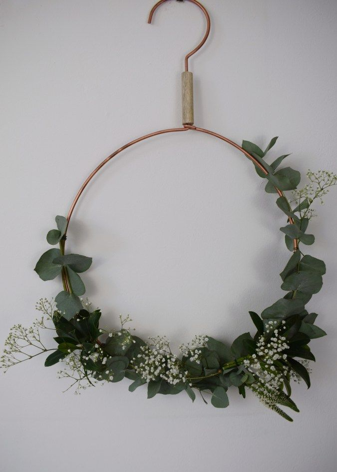 christmas craft, how to make christmas wreath, scandinavian fragrant simple eucalyptus decoration