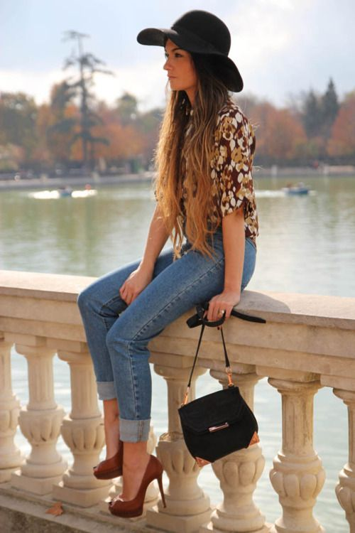 Painterly blouse, jeans, and heels combo. Topped with a great hat.: Outfits, Style, Clothes, Jeans, Fall Fashion, Closet, Floppy Hats, Wear
