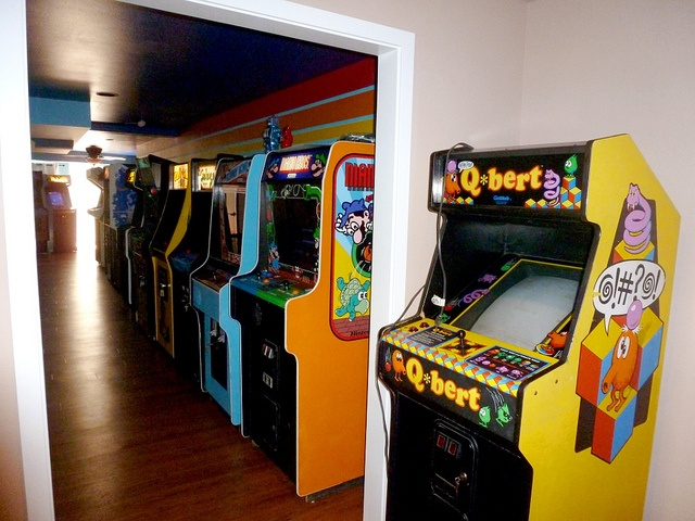 """Gary's"" home arcade.............. omgSooooo Jealous, Engagement Parties, Gary'S, Videos Games, Gonna Definition, Plays, Arcade Luv, Arcade Qbert, Arcade Games"