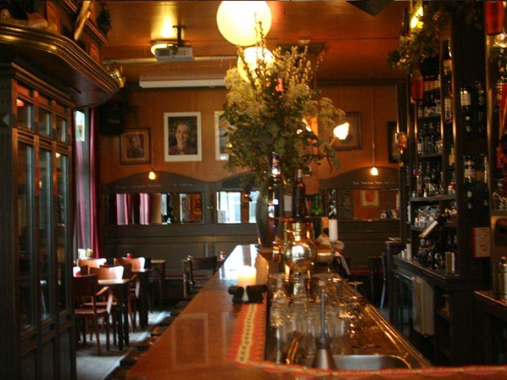 BijBelgisch café De Pintelier kun jeterecht voor meer dan een drankje.Met maar liefst 50 soorten single malt whisky's en 120 soorten bieren is het uitgelezen plek voor een goede borrel. Daarbij werden ze in 2014 uitgeroepen tot 'Beste café van Groningen'.