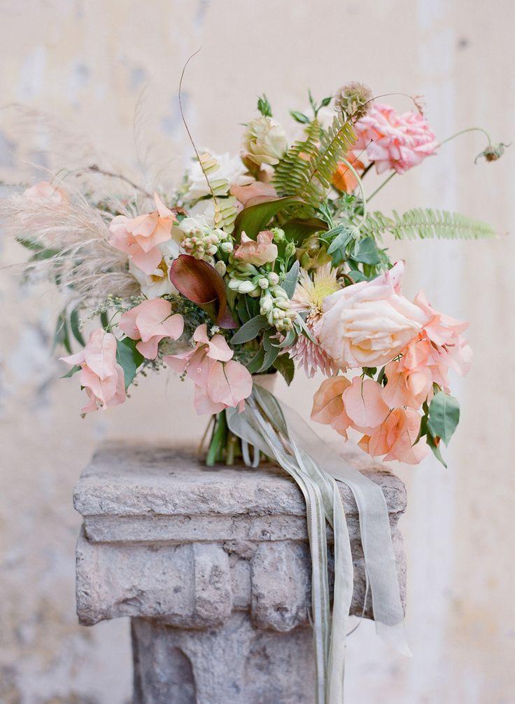 amazing peach, blush and green tropical wedding bouquet | Photography: Jose Villa | Floral Design: Saipua