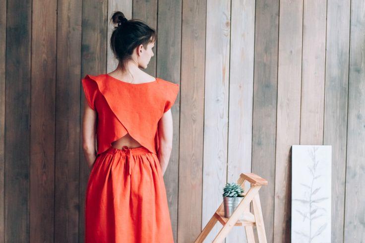 Womens Lino Top, Scarlet, rosso, oversize, Top estivo, spiaggia Top, Designer Abbigliamento, SS16 vestiti di lino, lino naturale di DALEKO su Etsy https://www.etsy.com/it/listing/399462873/womens-lino-top-scarlet-rosso-oversize