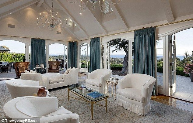 Don Jonson - sitting room