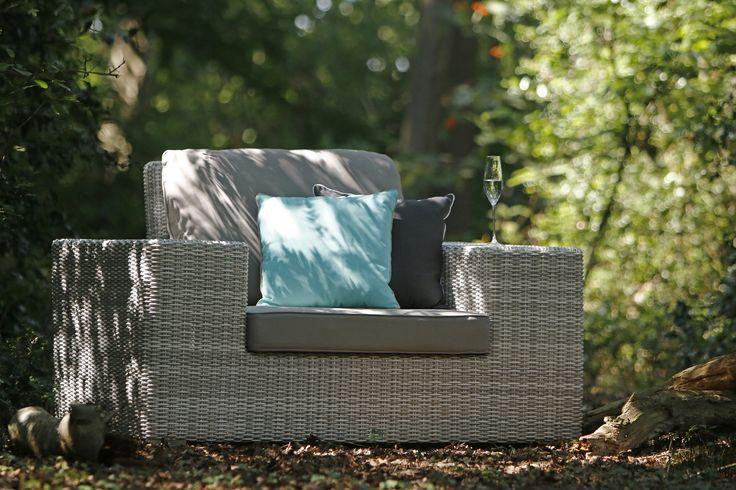 Royale loungestoelen van wicker #genieten #tuinstoel