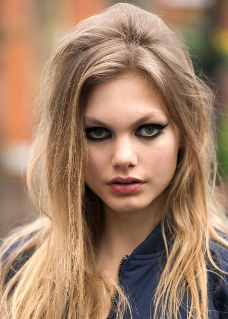 Master the ultimate cat-eye.