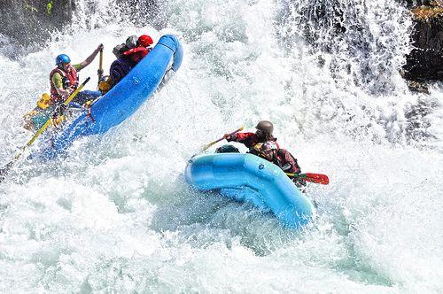 Whitewater Rafting with composite oars. #cataractoars #extremeoars #americanoars www.cataractoars.com www.facebook.com/cataractoars