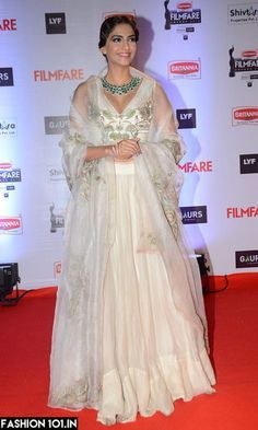 By designer Anamika Khanna. Bridelan - Personal shopper & style consultants for Indian/NRI weddings, website www.bridelan.com #AnamikaKhanna  #receptionlehenga #Bridelan #BridelanIndia