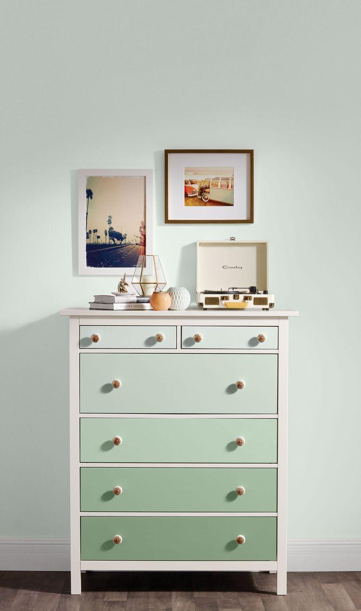 PEINTURE SICO | Notre peinture d'intérieur pour meubles et armoires offre un fini mélamine ultra-robuste et une excellente résistance aux marques et aux taches !