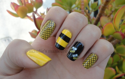 Even more bee nails.  Love, love, love them!