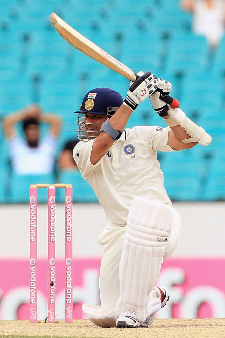 Sachin Tendulkar played some good-looking strokes, Australia v India, 2nd Test, Sydney, 4th day, January 6, 2012 200th.in
