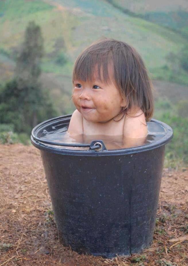 """Il riso è uno degli alimenti più completi ed è alla base dell'alimentazione di più di 3 miliardi di persone. Ecomarket ha pensato di sceglierlo per contribuire a """"nutrire"""" un'attività dall'alto valore solidale. Nel 2014, il 10% del ricavato dalle vendite di questo prodotto verrà infatti donato a Sos Bambini,un'associazione ONLUS che si occupa di migliorare le condizioni di vita di bambini orfani o abbandonati, attraverso una collaborazione diretta con gli istituti."""