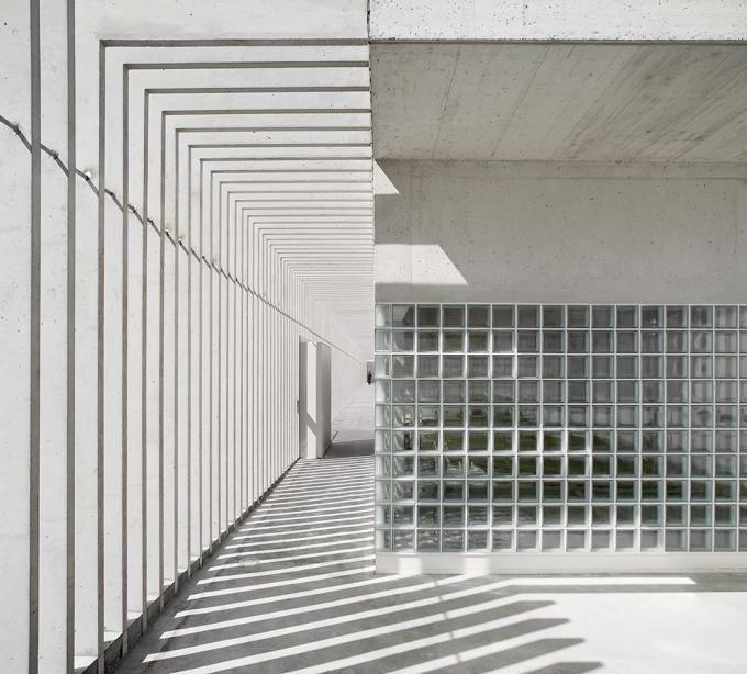 Vista interior. Escuela infantil en La Milagrosa por Pereda Pérez Arquitectos. Fotografía © Pedro Pegenaute. Señala encima de la imagen para verla más grande.