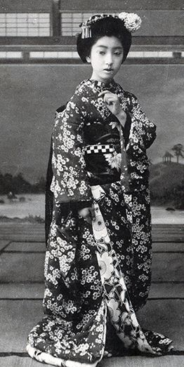 """""""Chiyoha (the name of the famous Tokyo geisha Teruha during the brief time that she was an Osaka maiko. She is wearing a darari obi, which is unusual for an Osaka maiko. I think that she must be dressed for an odori, especially as her obi-jime has an ichimatsu (chequerboard) pattern usually associated with dance or Kabuki."""" About 1910's, Japan. 2nd and 3rd line of text via Blue Ruin 1 of Flickr."""