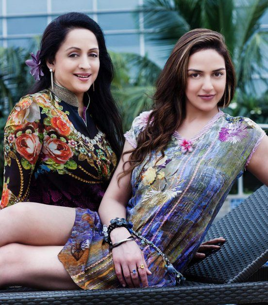 Bollywood's Top 10 Fashionable Mom-Daughter Jodis - Esha Deol and Hema Malini