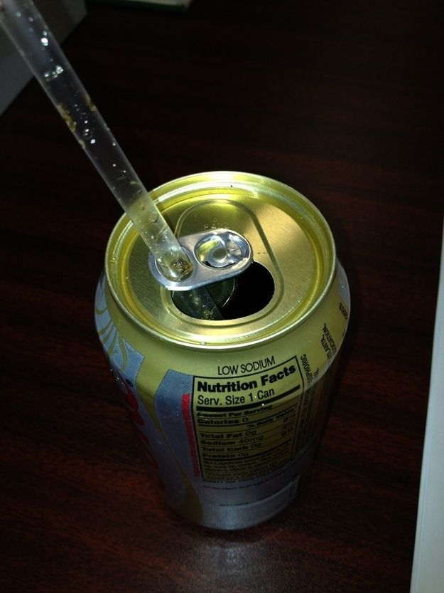 Soda tabs double as straw holders. | 18 Everyday Products You've Been Using Wrong
