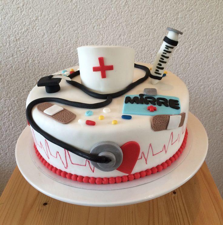 Mirre was graduated as a nurse, this cake i make for the graduation party..... Mirre was geslaagd voor haar verpleegsters diploma. Deze taart is gemaakt voor het slagingsfeestje.....