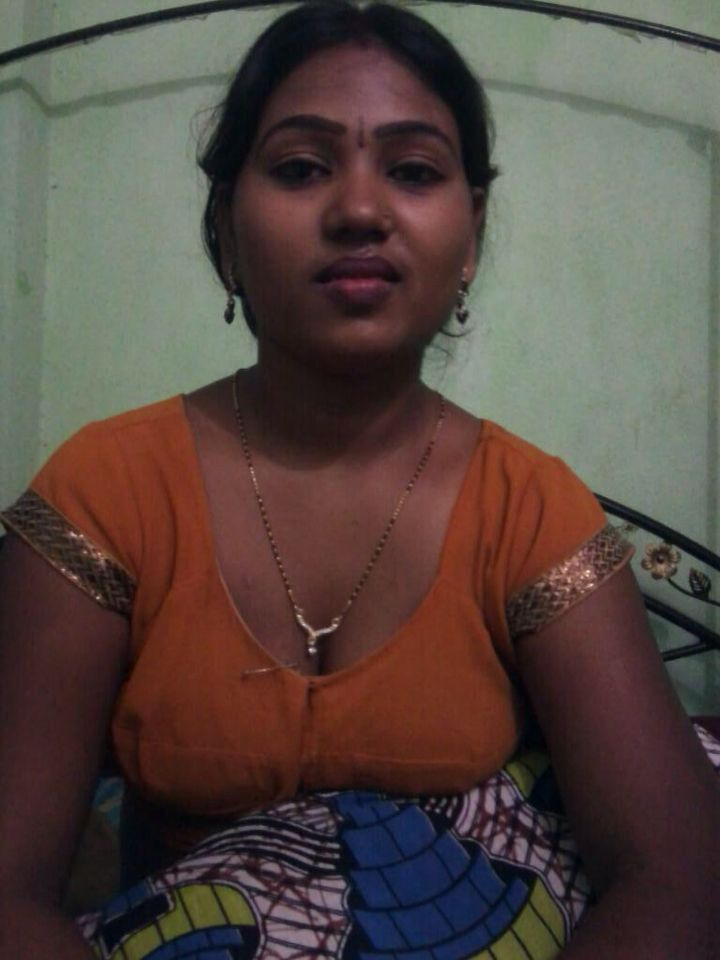 South Indian Girl  Indian  Indian Girls, Indian Beauty, Indian Blouse-2541