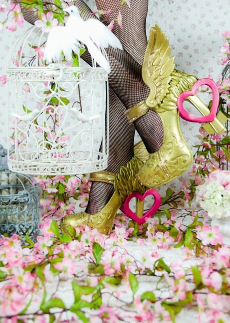 """Dolly Brie: My one true love? Who knows, it might be """"shoe""""! ~ Ever After High C.A. Cupid shoe tutorial"""