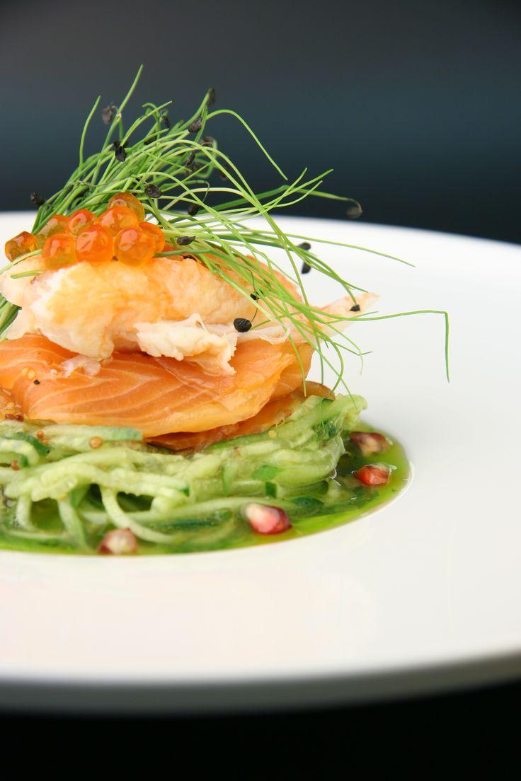 спагетти из огурца с форелью и крабом и соусом из кленового сиропа /сhef alexey grigoriev