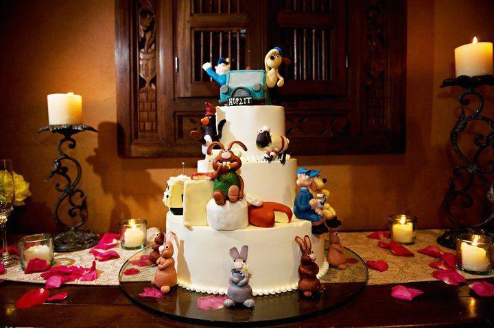 Cracking wedding cake, Gromit!