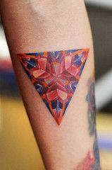 (justiceinktaiwan) Tags: tattoo triangle heart kaleidoscope tattoos       girltattoos   femaletattoos femininetattoos  justiceink