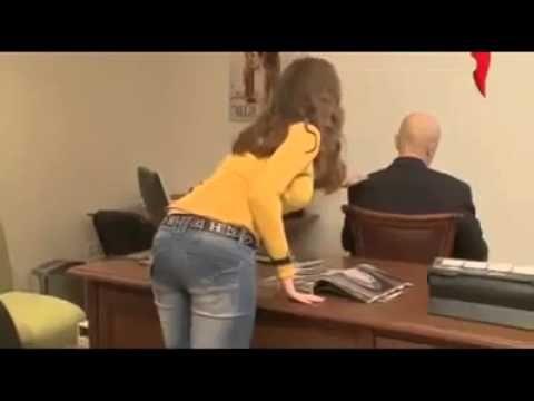 """""""The boss is dead!"""": prank in office / Scherzo in ufficio: """"Il capo è morto!"""""""