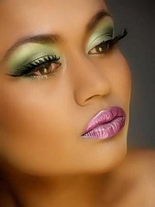 Bold Mauve Lips with Green Eyes...WOW!: Eye Makeup, Eye Colors, Brown Skin, Pink Lips, Green Eye Shadows, Green Eyeshadows, Eyemakeup, Lips Colors, Prom Makeup