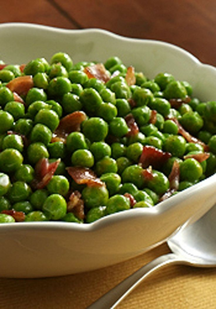 Beautiful Christmas dinner side dish: Peas with bacon recipe