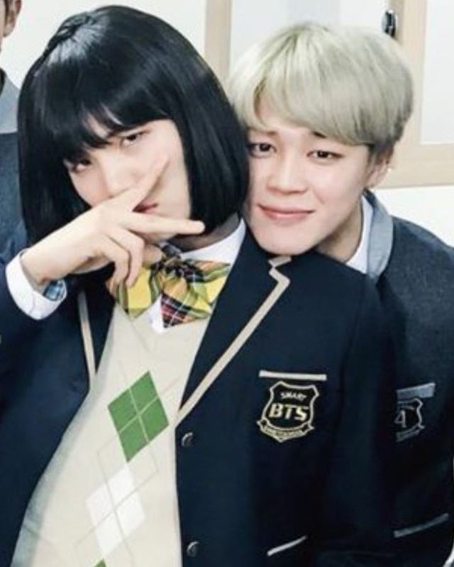 """I saw an AllKpop article about this, and before reading I was like """" okay, Jimin has a girlfriend, how cute - I wonder who it is? """" then I read it and misinterpreted it thinking Suga and Jimin were actually dating ... and then I read it again and finally understood. I was on an emotional roller coaster during lunch ;-;"""