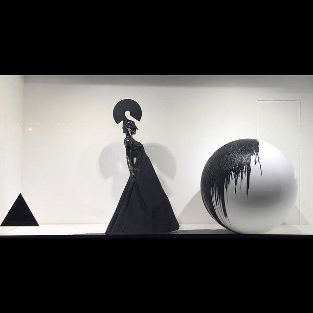 """SELFRIDGES,London,UK, """"Get the ball rolling"""", pinned by Ton van der Veer"""