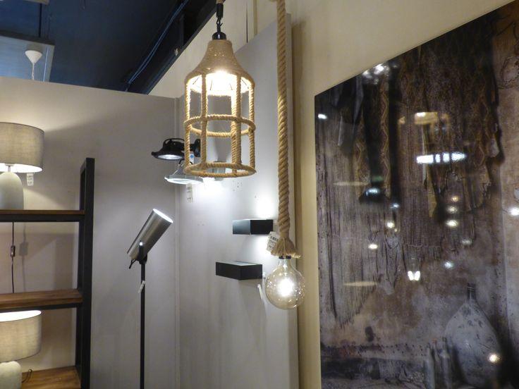 webwinkel : www.rietveldlicht.nl/ en zie al onze artikelen in verlichting , kapstokken en tuinverlichting .. Verlichtingspecialist sinds 1955. Grote showroom en ruim 10 jaar ervaring met onlineverkoop. Ruim assortiment en grote eigen voorraden. Gemakkelijk online lampen kopen met de laagste prijsgarantie! Rietveldlicht Helpdesk telefonisch bereikbaar op maandag t/m vrijdag: van 09.30 uur tot 17.00 uur Telefoon: 0184 499 637 Huisdecoratie ...Klik 2 keer voor groter foto