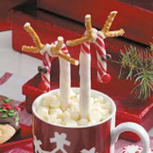 Candy+Cane+ReindeerChristmas Crafts, Christmas Sweets, Canes Reindeer, Christmas Theme, Candy Canes, Candies Canes, Parties Ideas, Hot Chocolates, Christmas Drinks
