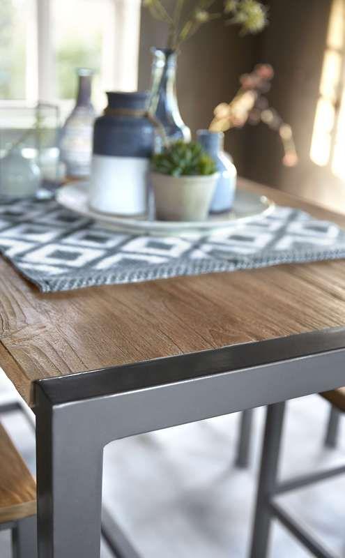 Vergrijsd hout gecombineerd met stoer ijzeren detail