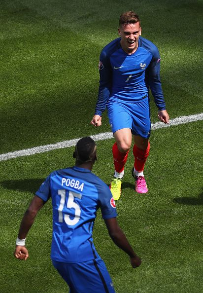 #EURO2016 Antoine Griezmann of France celebrates scoring his team's first goal with his team mate Paul Pogba during the UEFA EURO 2016 round of 16 match...