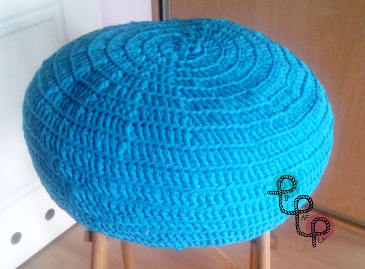 Crochet pouf made of spaghetii yarn/twine Pufa zrobiona na szydełku z przędzy spaghetii Available at / Do zamówienia na: www.facebook.com/pif.paf.puf.gliwice